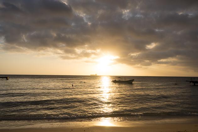 Ayo, Dushi Kòrsou! - Curaçao For 91 Days
